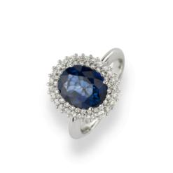 anello zaffiro ovale con contorno diamanti in oro bianco Namuri