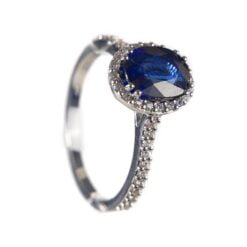 anello zaffiro ovale